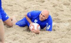 Пляжный футбол: звезды против конкурсантов