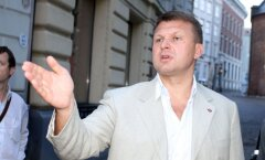 Шлесерс предложил дать гражданство Игорю Крутому